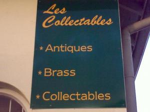 Les Collectables sign.jpg
